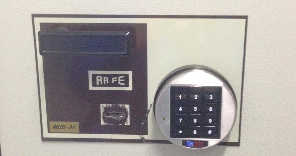 Combinación electrónica en caja fuerte